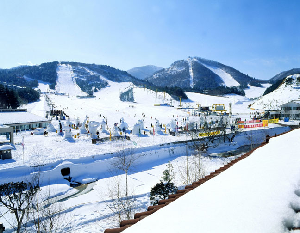 TRAVEL KOREA – An Olympic Host Country with a Growing Snow Industry