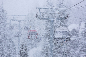 West-Pacific Storm Bears Down on Whistler, Up to 200cm Expected – Snow Alert