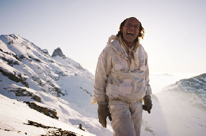 This Crazy Idiot Wants to Teach All Skiers how to Pee In The Mountains – Video