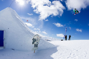 Burton High Fives New Zealand – EXCLUSIVE WEBCAST