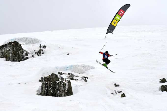 Tristan Rowley, skied with power and style to take out the U15s ski. Photo: Chris Hocking