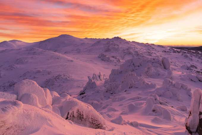 Witnessing this incredible sunrise was well worth the pre-dawn hike to South Ramshead