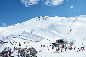 Records Smashed with 1.6M Visitors to NZ Slopes in 2017