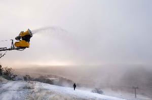 Perisher First to Start Snowmaking in 2015 - Countdown To Winter