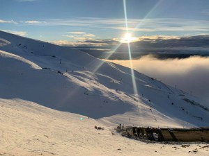A fine mornign and spring like snow in Cardrona this ,morning
