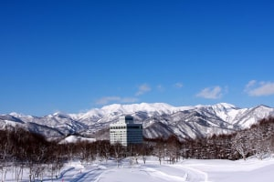 Minakami Kogen hotel - a brisk 21 steps to the slopes