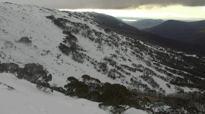 Cloud moving in at Thredbo this morning, showers on the way for the Aussie Alps with snow on the weekend.